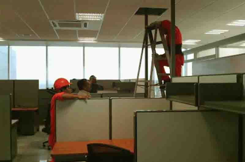 Services-office-furniture-installation